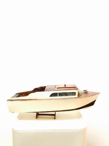 maquette de bateau moteur les volets bleus antiquit s brocante d co design. Black Bedroom Furniture Sets. Home Design Ideas